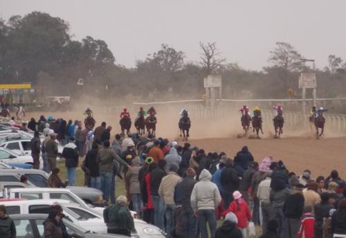 Hipódromo Real de San Carlos - Colonia - Página 3 Octava-tatacho-450finales